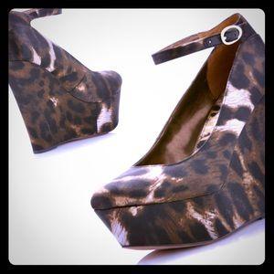 SEXY Sam Edelman Quinn Leopard Platform Wedges